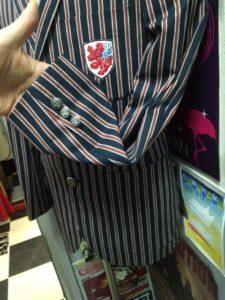 オーダーメイドのスクールジャケット
